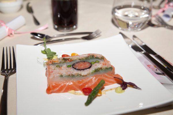 Terrine van zalm met wakame coquille en krab door Chef Nicolas