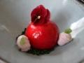 Mousse van witte chocolade en limoen, hart van hangop met cranberries, gelei van bloedsinaasappel