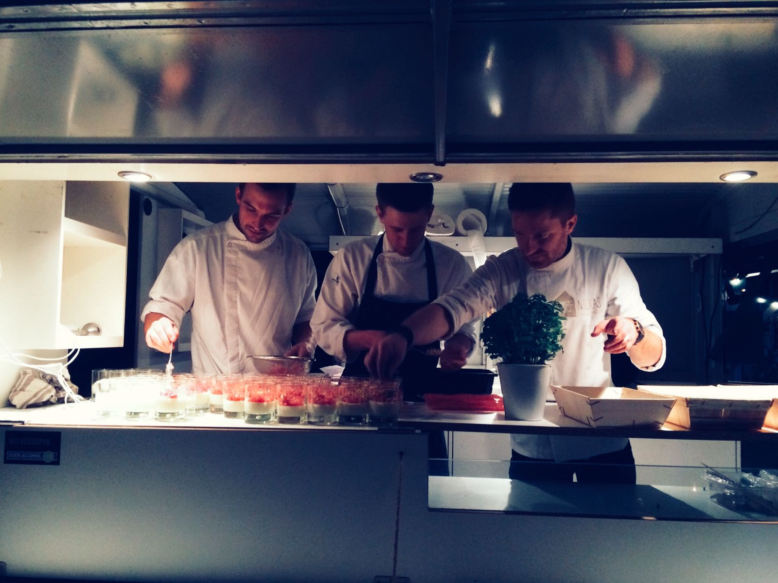 02-Chef-in-de-bus-pop-up-diner-Snorfabriek
